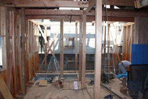 平屋から2階へ改築リフォーム施工中-高槻
