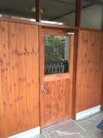 店舗ドアと内装-茨木市