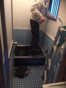 在来浴室の斫り工事